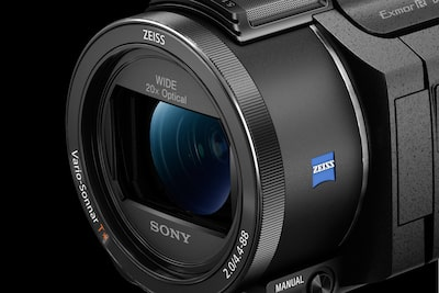 New ZEISS® 20x zoom 4K-compatible lens