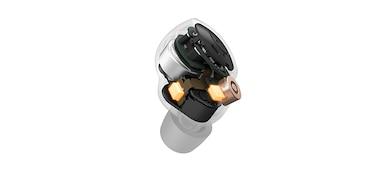 WF-1000XM4 Image of dual-noise-sensing microphones